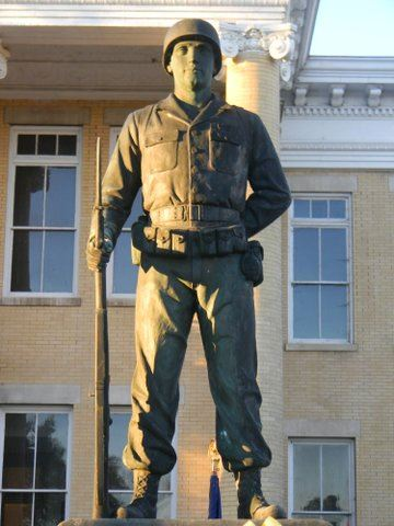 Image of the Blount County War Dead memorial soldier statue